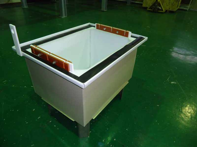 Overflowtank/sink and special tooling